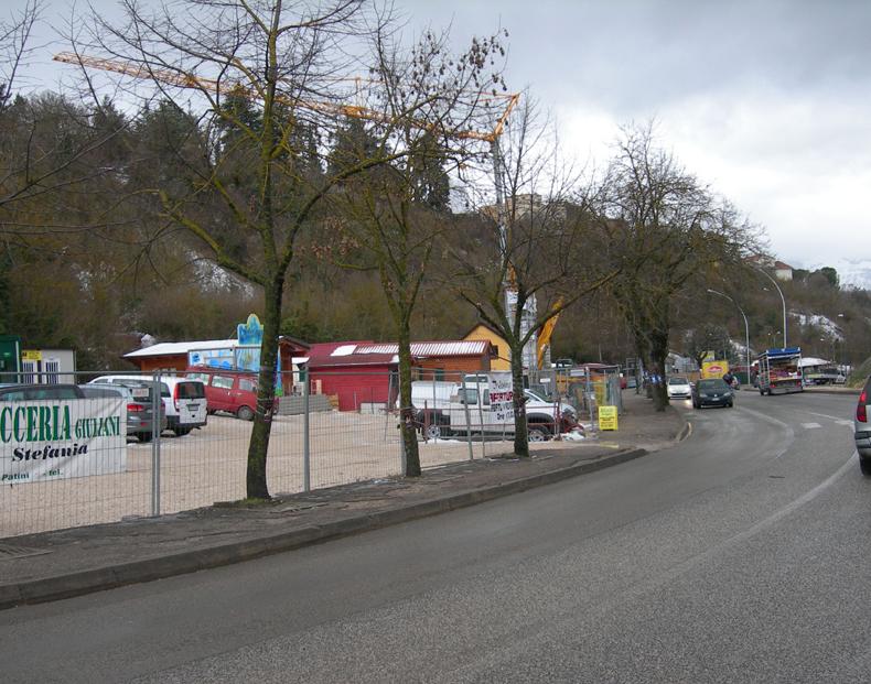 L'Aquila, le nouveau centre, Viale della Croce Rossa